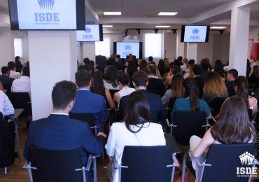 Iniciación del curso académico con dos sesiones magistrales en el Grado en Derecho
