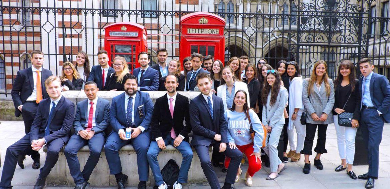 Los alumnos del doble título Grado en Derecho y Máster en Abogacía Internacional participan en una estancia académica en Cambridge